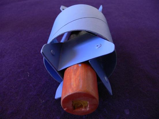 Nesta imagem vemos em detalhes o suporte onde é colocado cilindro da bobina